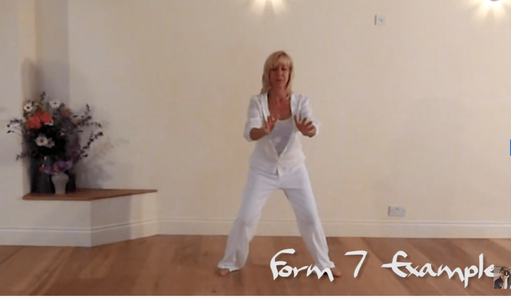 Join Elise's daily Qi Gong classes